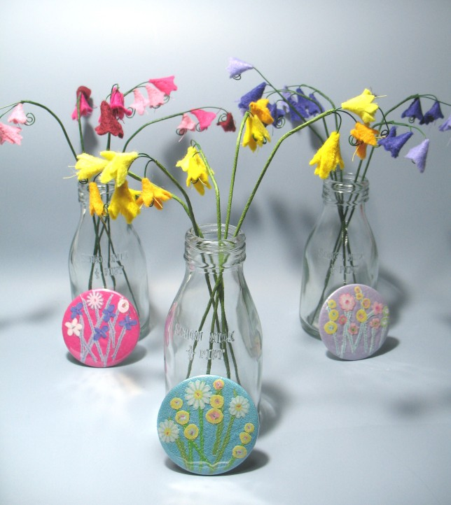 CROWTHER A felt flowers and pocket mirrors